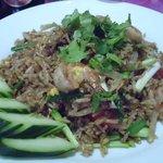 Riz sauté aux crevettes à la Thaï