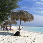 Playa Paraiso, Cayo Largo - Palapa & Restaurant/Bar Area