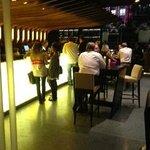 Grand Bar & Bistro Foto
