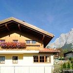 Terasse, Balkon und ein Garten laden zum Relaxen ein
