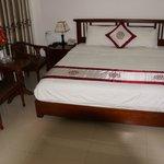 Großes Bett, saubere Zimmer