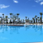 prachtig blauw water uitzicht zwembad