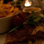 Steak with chips and peppercorn Sauce