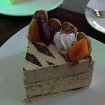 Tiramisu cake (Kaki 5,coffee house-borneo cove htl)