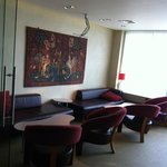 The coffee lounge on the ground floor