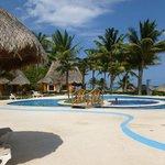 La piscina del bar in riva alla spiaggia