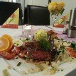 Salat mit Rumpfsteak in bester Qualität