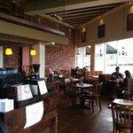 el Restaurante en Plaza rio
