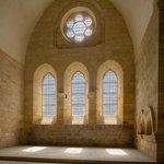 Les vitraux du sanctuaire de l'abbatiale de Noirlac (c) H. Gaud