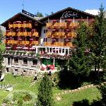 Panorama Kidshotel Alphubel Saas-Fee: outside view