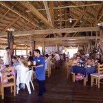 Restaurant service Imperial las perlas cancun