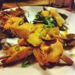 Brochette de saumons et crevettes de cury thaï