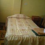 habitacion simple con baño privado, wifi