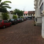 Driveway to hotel
