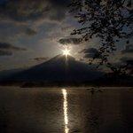田貫湖から見る春のダイヤモンド富士