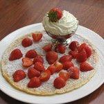 pancake fresh strawberries & whipped cream