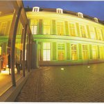 Le musée by night