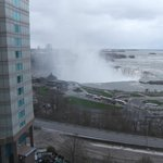 View over the Horseshoe falls from our room on 9th floor.