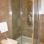 Bathroom of Queen balcony room