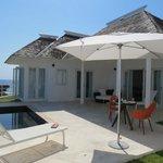 villa 10 Pool deck