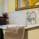salle de bains de l'appartement roman