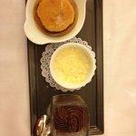 Trois petits desserts de notre enfance : crême caramel, mousse au chocolat, riz au lait