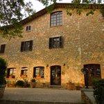 Villa Selva, la struttura al crepuscolo