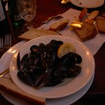 Starter portion of mussels