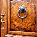 street door of the Foresteria Valdese Firenze