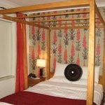 Four poster bedded room