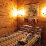 Hemlock Cabin - Ground Floor Bedroom