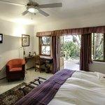 GUBAS-DEHOEK garden room 8