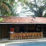 Pool + Strandbar