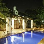 GUBAS-DEHOEK salt water pool