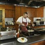 GUBAS-DEHOEK Gunther cooks