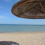 Schöne Farben am Strand vom Hotel-Bereich