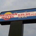 Original sign that drew us in to the Newnan Hotel