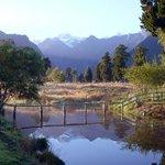 Own mirror pond
