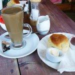 cream tea (although I had coffee instead)
