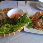 spring rolls and papaya salad