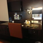 Flat Screen TVs with complimentary tea & coffee & electric kettle