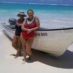 mi amiga y yo en el ultimo dia de playa