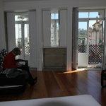 ruime kamer met uitzicht