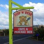 Flip'n Bear Cafe & Pancake Den