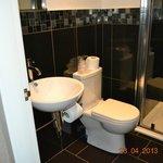 Sink & Toilet