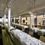 Est Fine Dining Restaurant