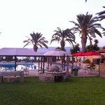 Vrachia Beach Hotel & Suites