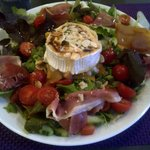 Delicious Goat's Cheese Salad
