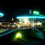 Vue de Millau Hôtel Club la nuit