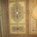 Beautifully decorated ceiling in the entry way
